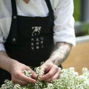 Restaurante Azurmendi utiliza flores comestibles