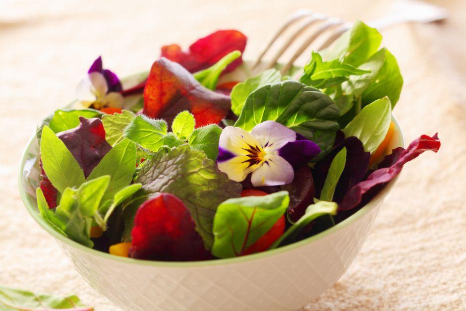 ensalada detox de espinaca y cítricos